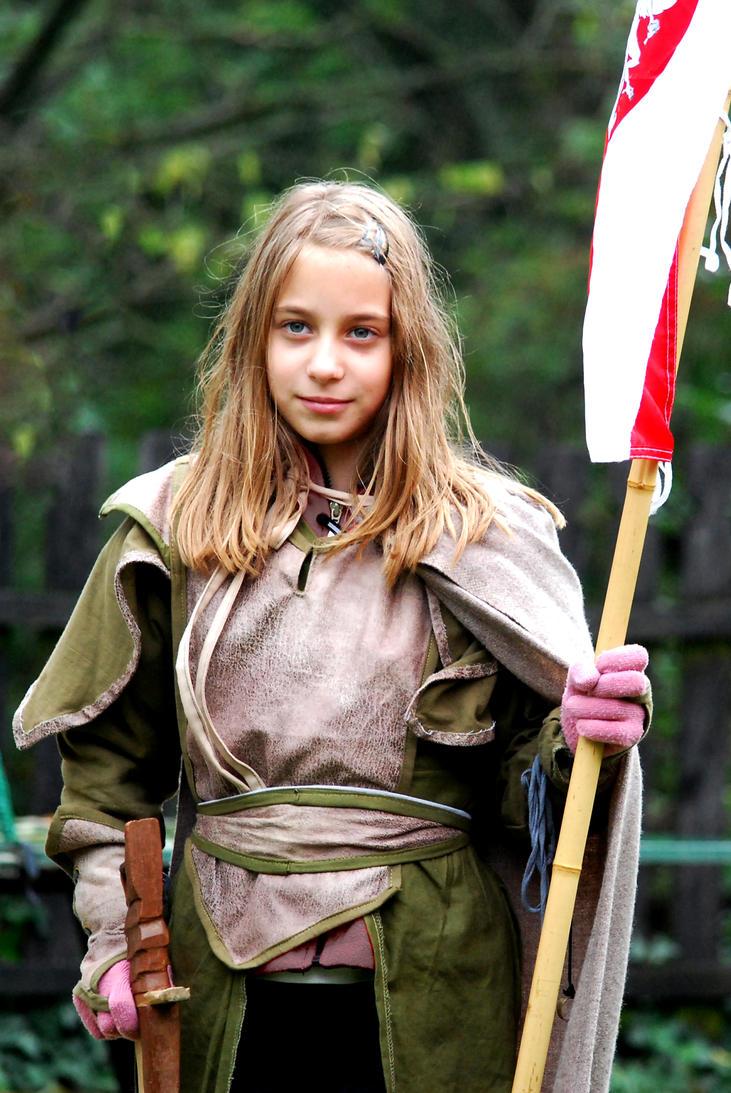 Little elven girl by Sindeon