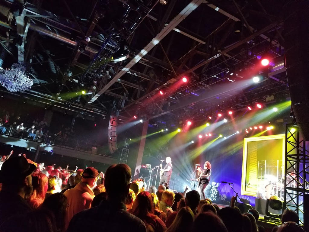 Goo Goo Dolls live in Philly by ATwistintheMyth