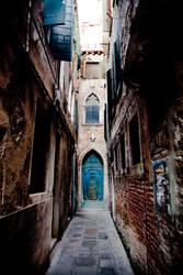 venice alley by rodrigopivoto