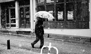 snow man walking by panosozi