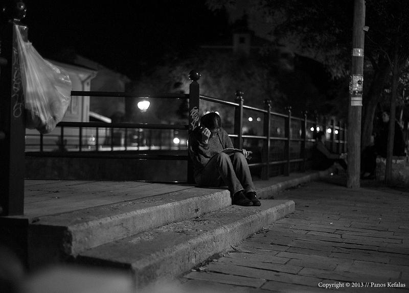 night reading near the river by panosozi