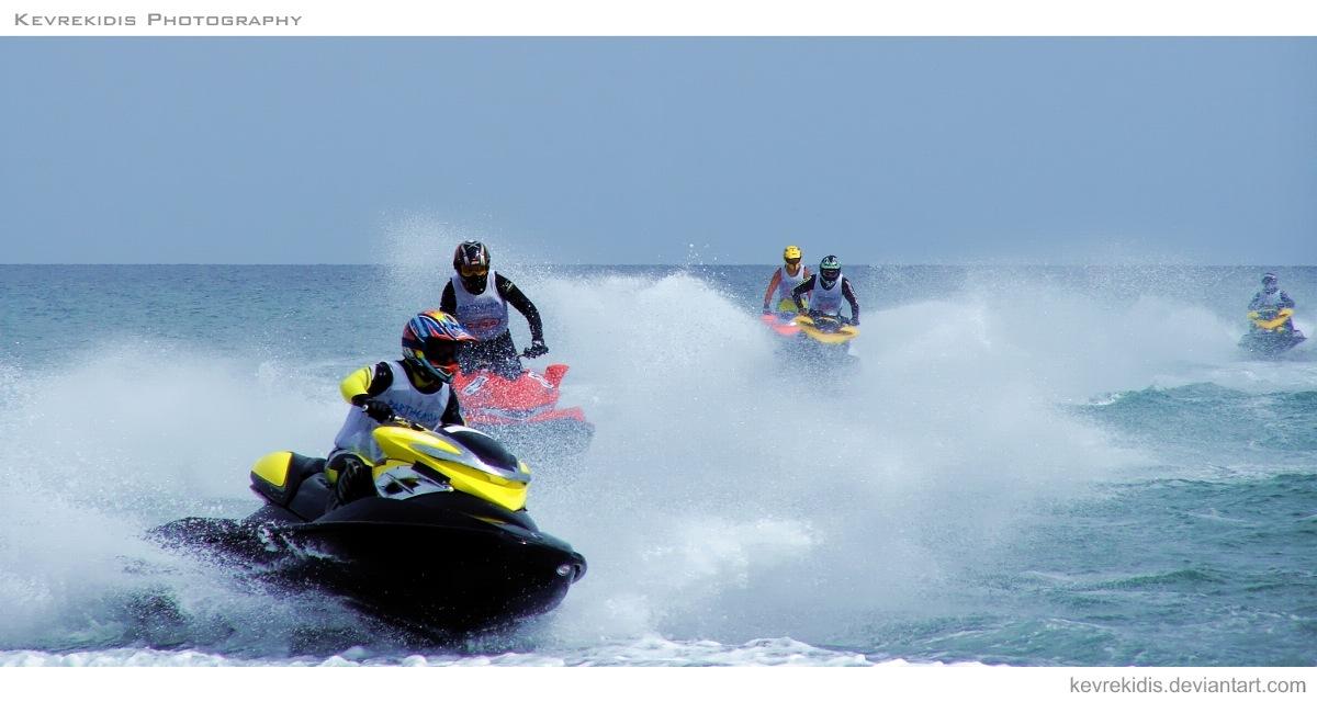 racing jet ski