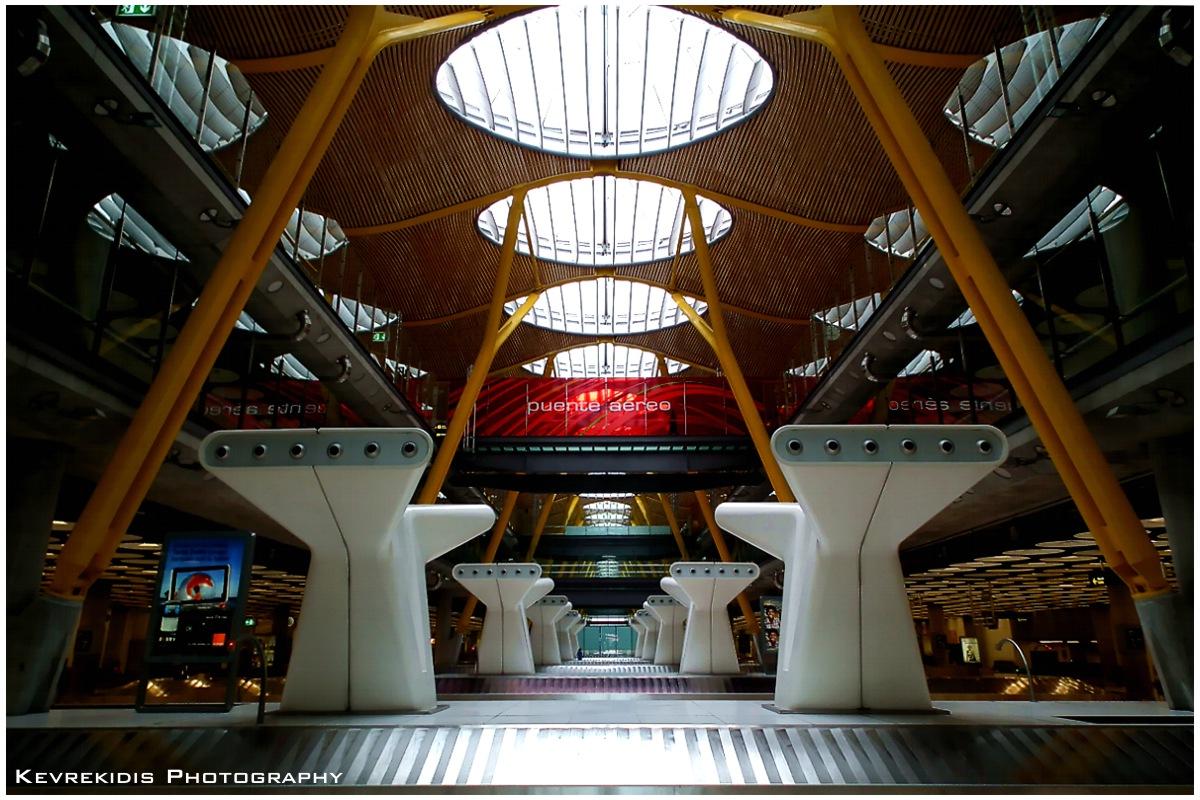 Aeropuerto by Kevrekidis