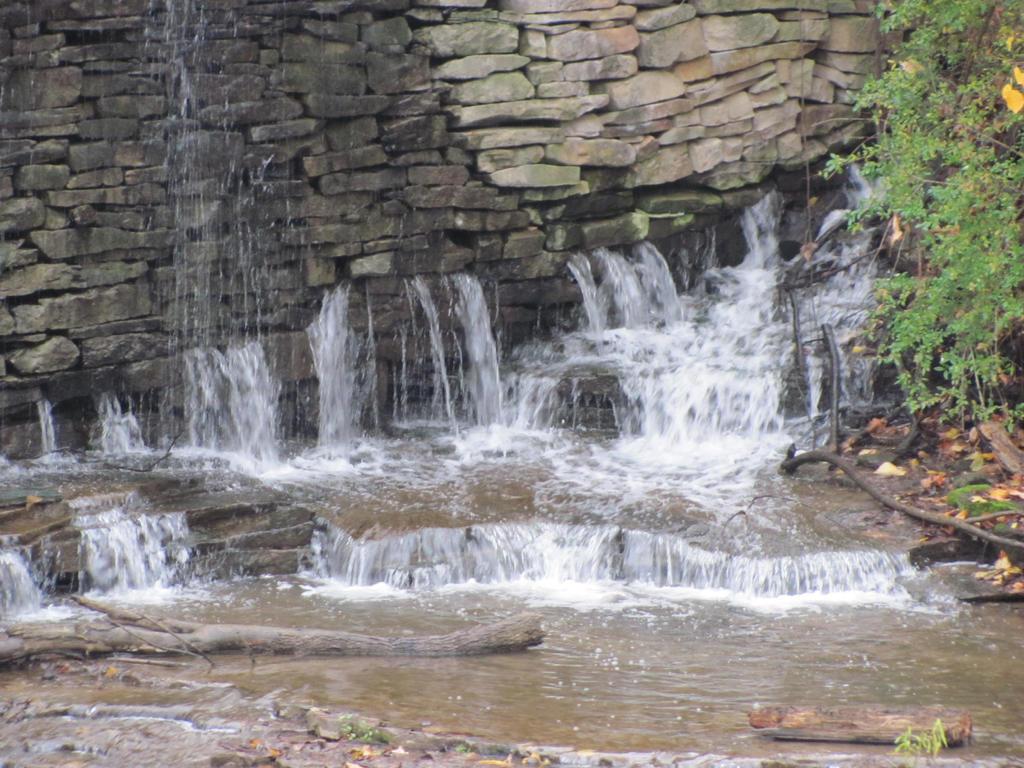 Waterfall 2 by pipomonkeys
