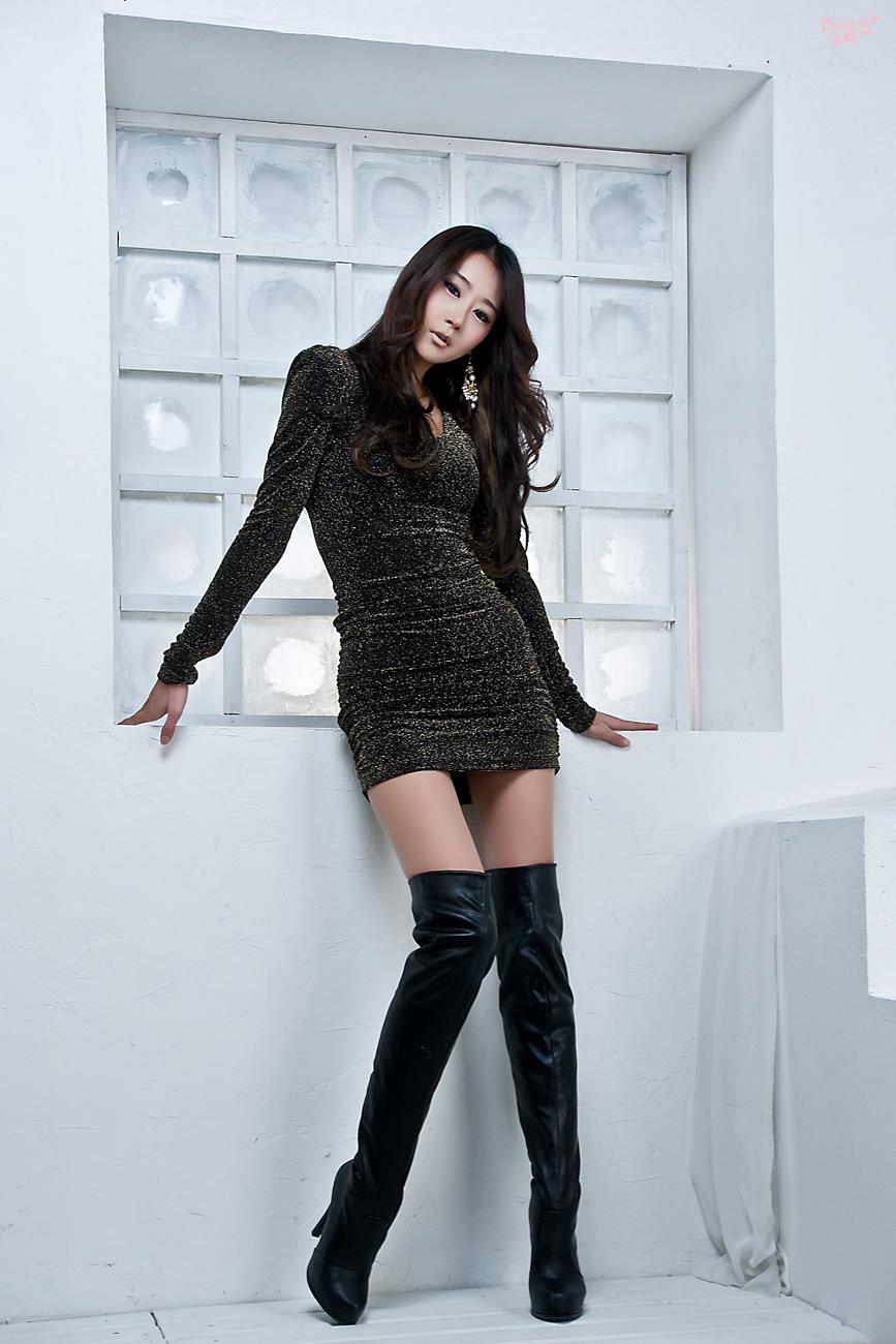 Asian thigh high boots