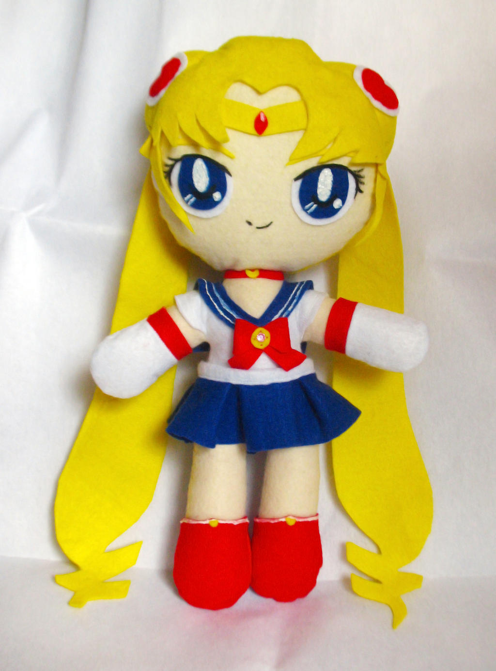 Sailor Moon Plush by Eriamyv