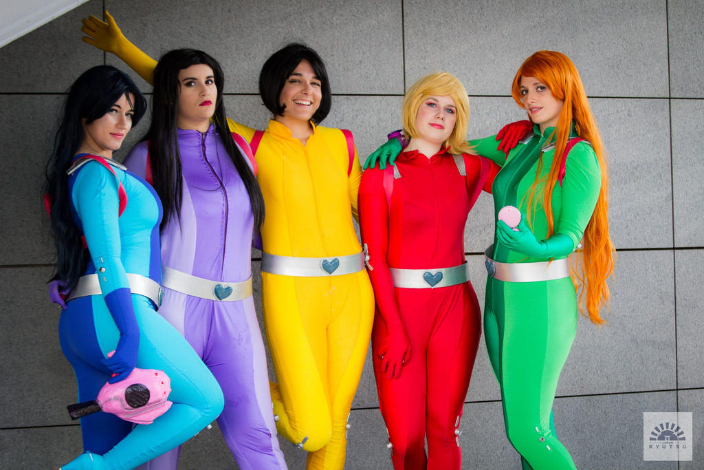 Complete team of totally spies d by aure magik on deviantart - Deguisement totally spies adulte ...
