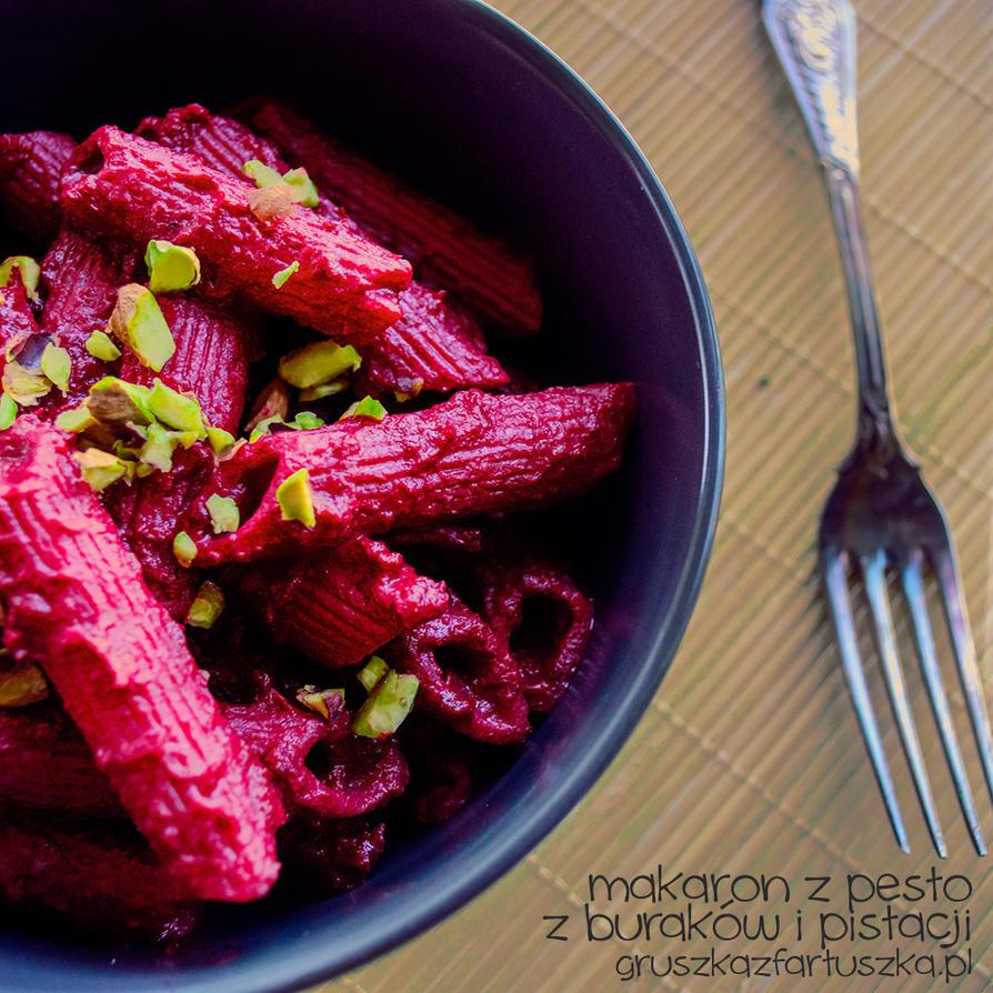 beetroot and pistachios pesto pasta by Pokakulka