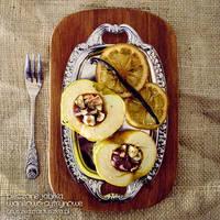 roasted apple with honey, vanilla and lemon by Pokakulka