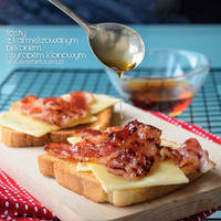 toast with carmelized bacon and maple syrup by Pokakulka