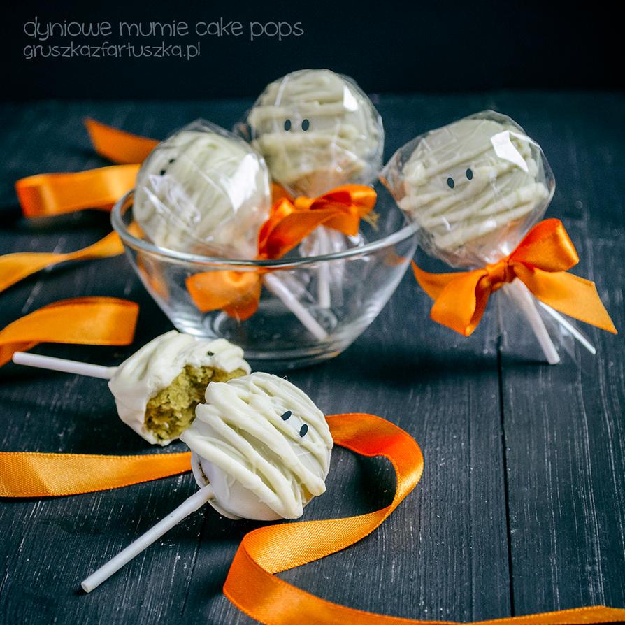 pumpkin spice halloween mummies cake pops by Pokakulka