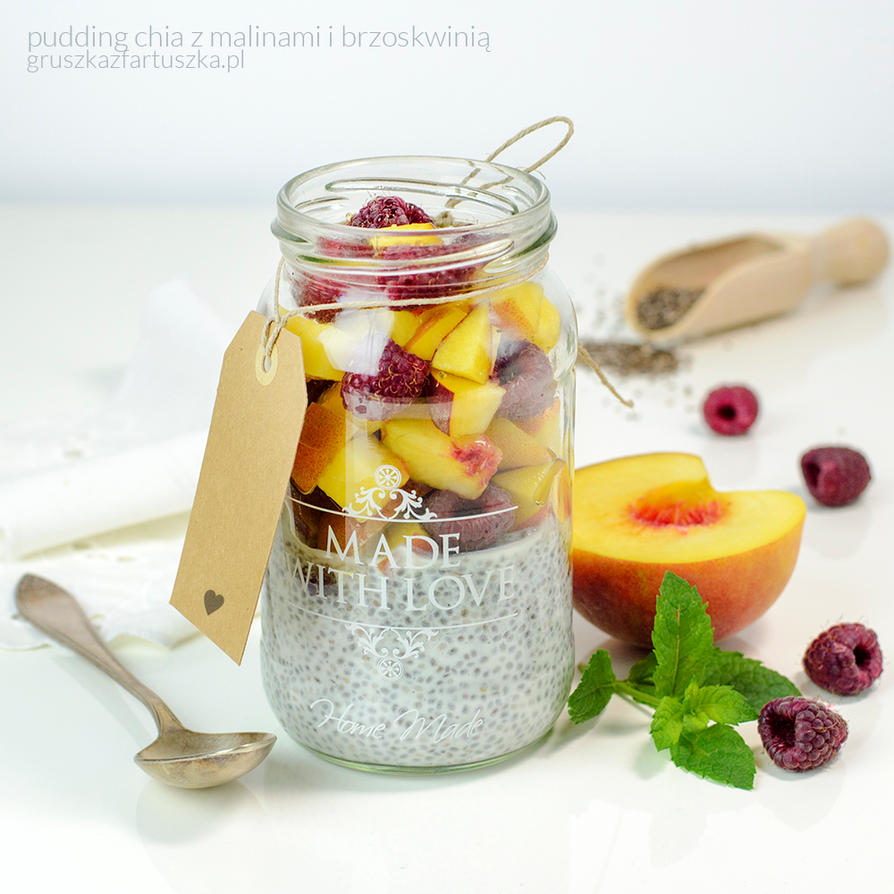 chia pudding with raspberries and peach by Pokakulka