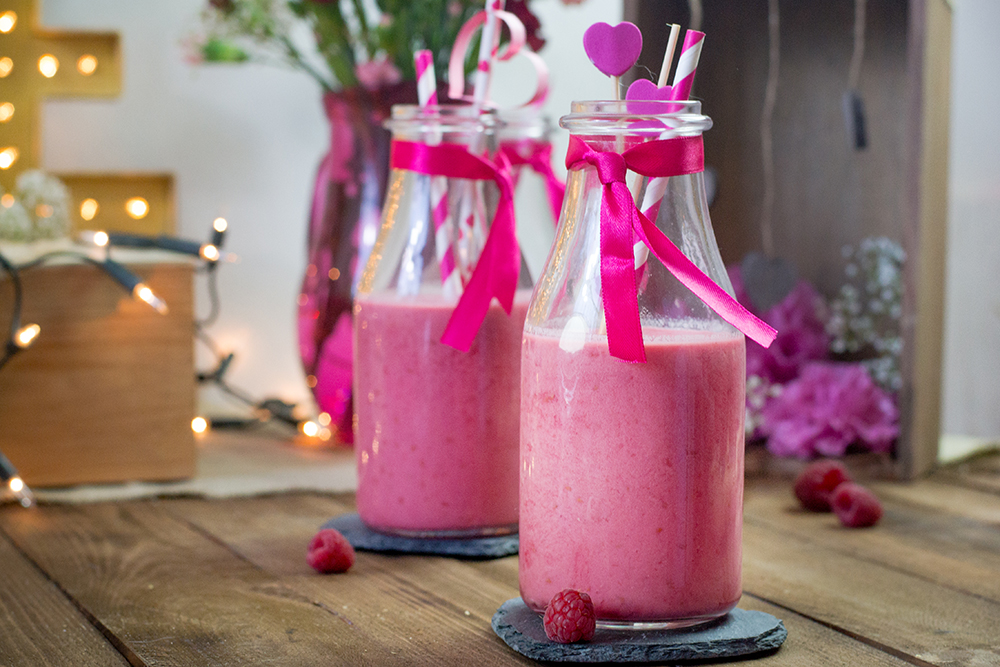 raspberry and green tea smoothie by Pokakulka
