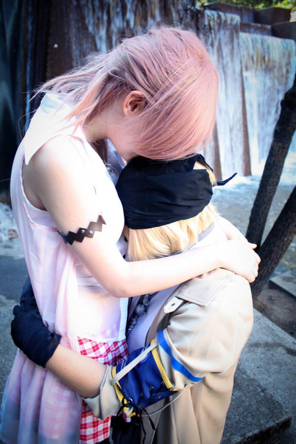 FFXIII - In your arms by Hazuza