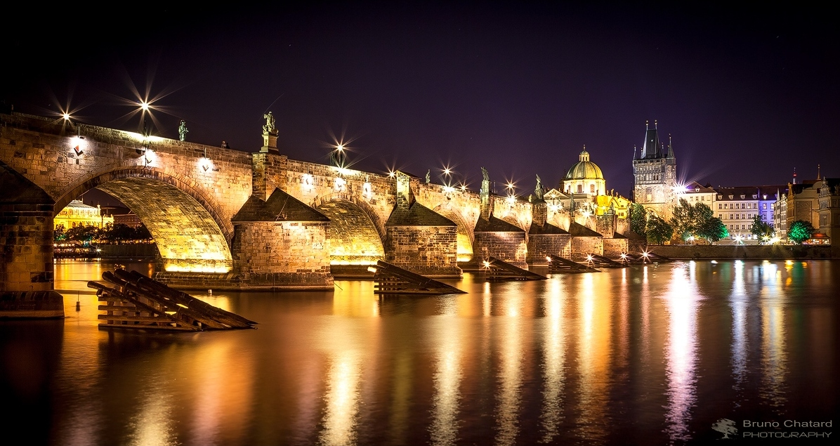 Charles Bridge by Night by BrunoCHATARD