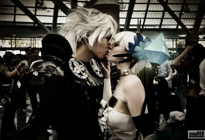 Kiss of Oswald and Gwendolyn