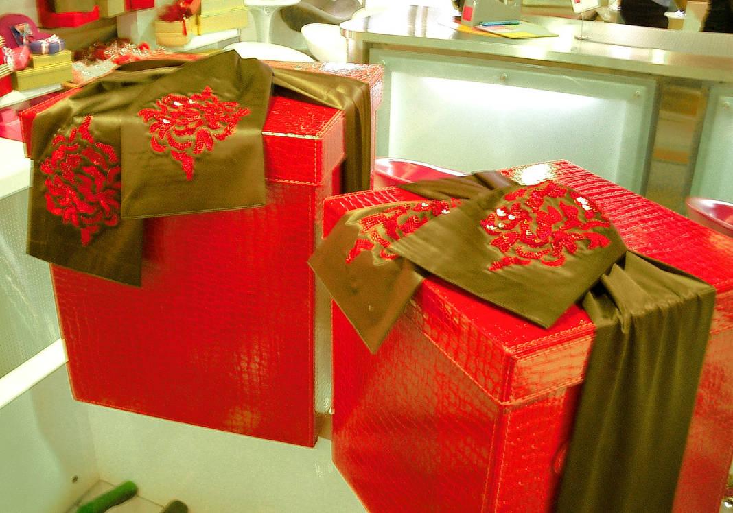 Asian gift wrap