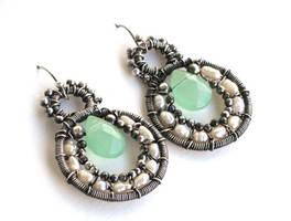 pearl and aventurine earrings by annie-jewelry