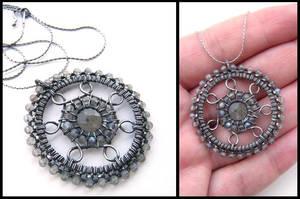 labradorite pendant by annie-jewelry