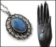 labradorite flower by annie-jewelry
