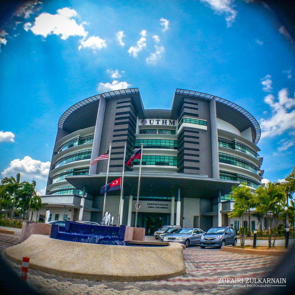 Tunku Tun Aminah Library Uthm By Zufairi On Deviantart
