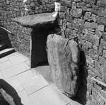 Neolithic grounds of New Grange ( 4 )