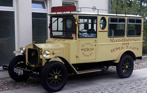 Ford minibus by UdoChristmann