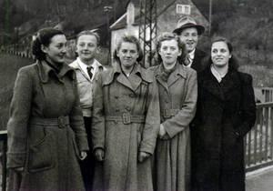Postwar winter fashion -- Historic Picture --