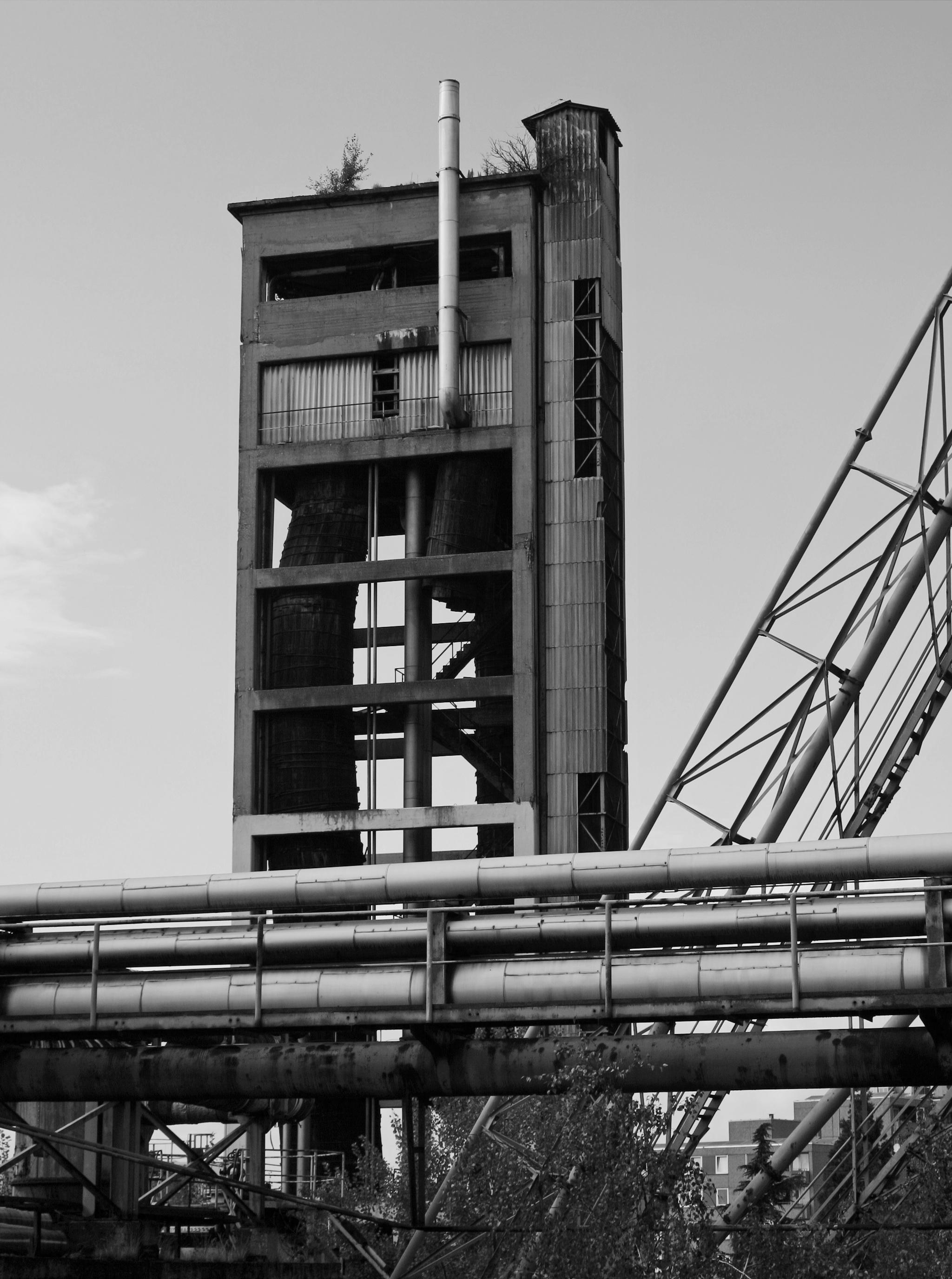 https://orig00.deviantart.net/c4eb/f/2018/012/4/7/abandoned__factory_by_udochristmann-dbzqllb.jpg