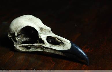 Cast resin raven- black patina