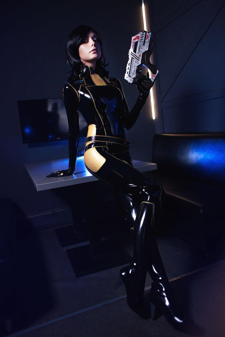 Mass Effect Miranda Lawson by AlienOrihara