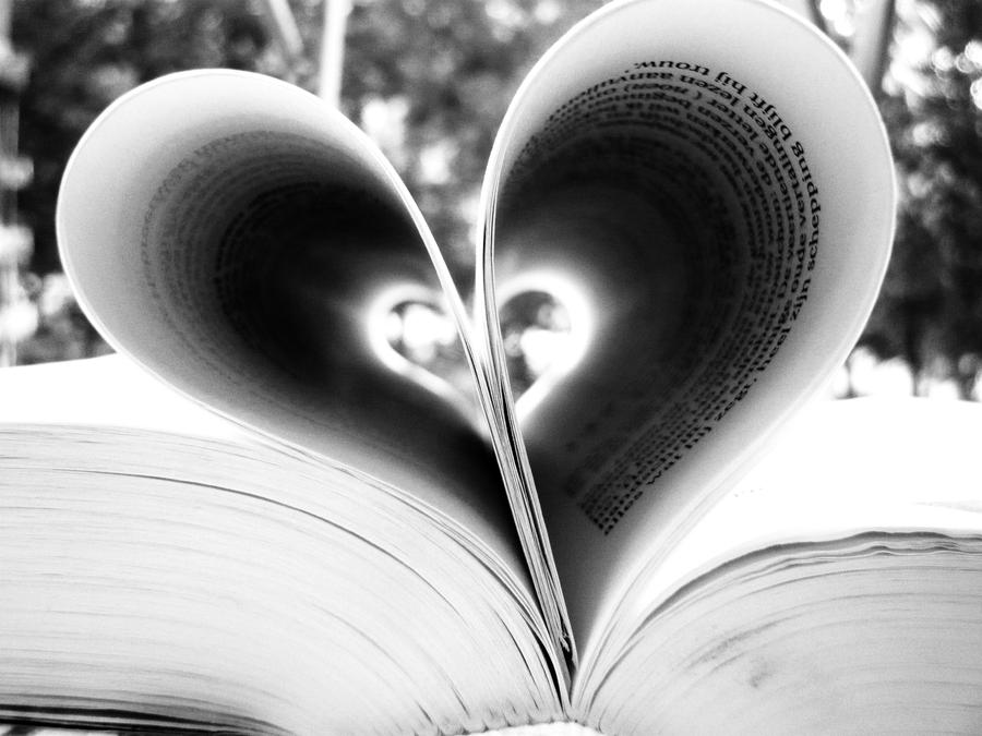Black And White Heart By Writteninthestarsx