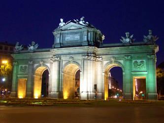 Puerta de Alcala by LidiaL