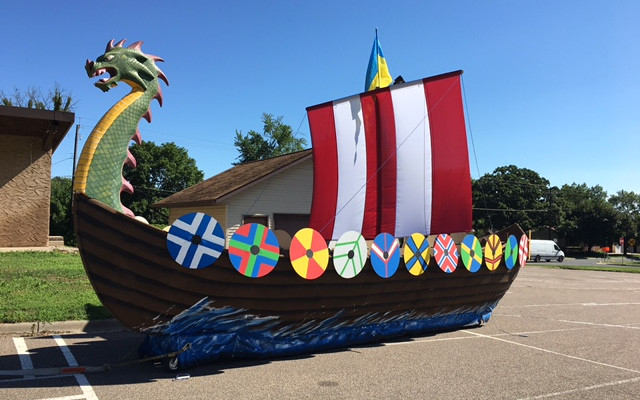 Bill's Dragon Boat by mtiun