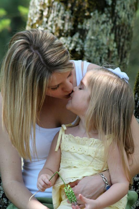 Lick her daughter