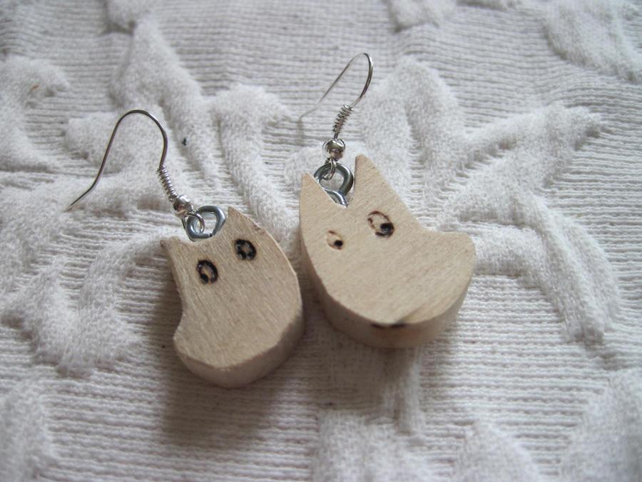 totoro earrings by MagicalMegumi