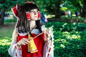 Reimu Hakurei by HenekiCosplay