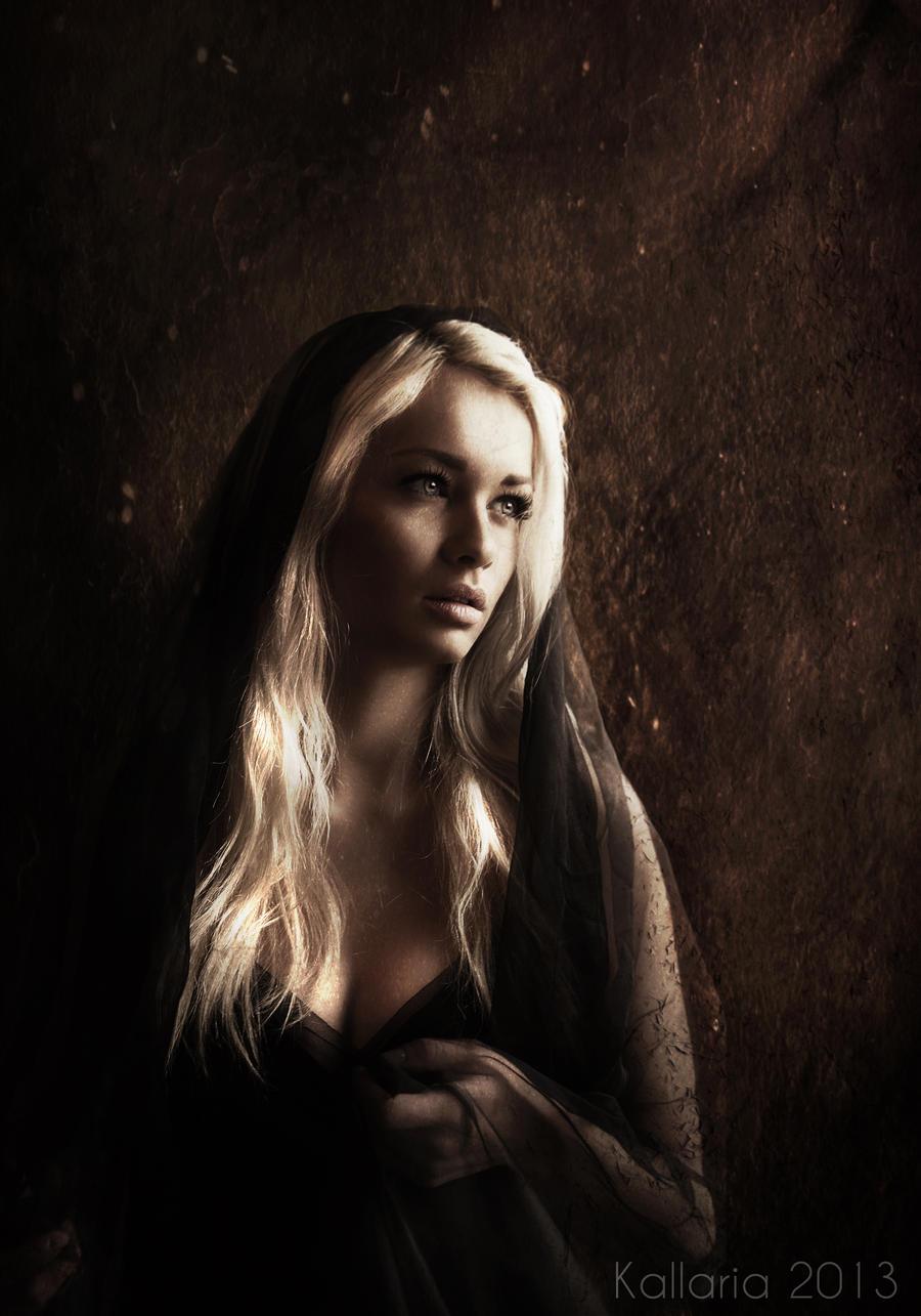 La dame au voile noir by Kallaria