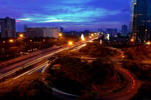 Semanggi at night by su7a