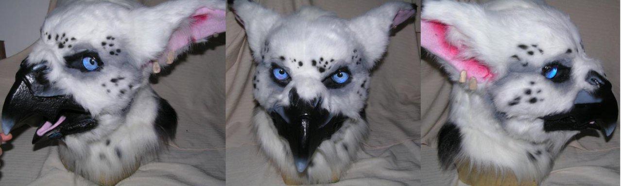 Gryphon head by ArtSlavefursuits