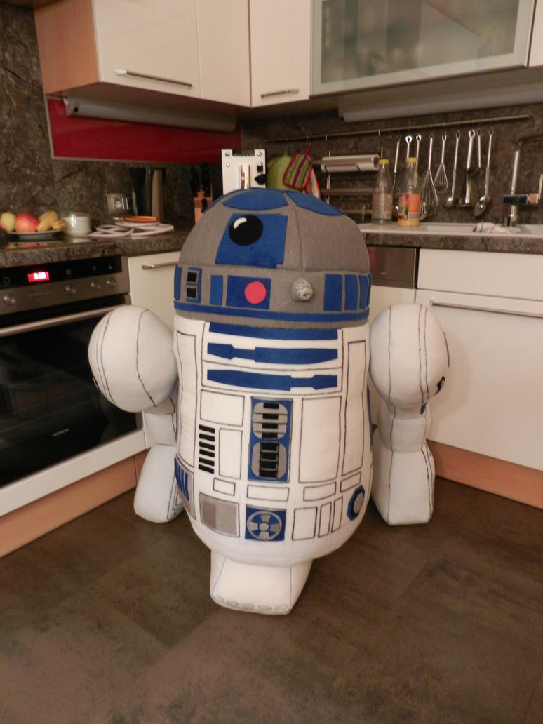 plush R2D2 by Tamtea