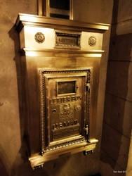 Art Deco mailbox by Transportphotos