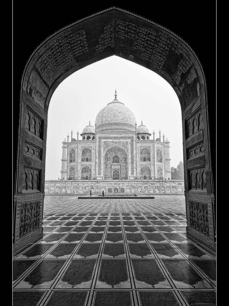 Taj Mahal by Stilfoto
