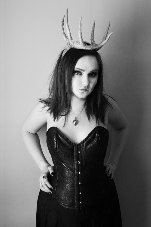 Queen by LadyStarDustxx
