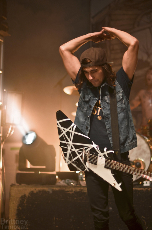 Vic Fuentes- Pierce The Veil by ComeAtMePeasants on DeviantArt Vic Fuentes Muscles