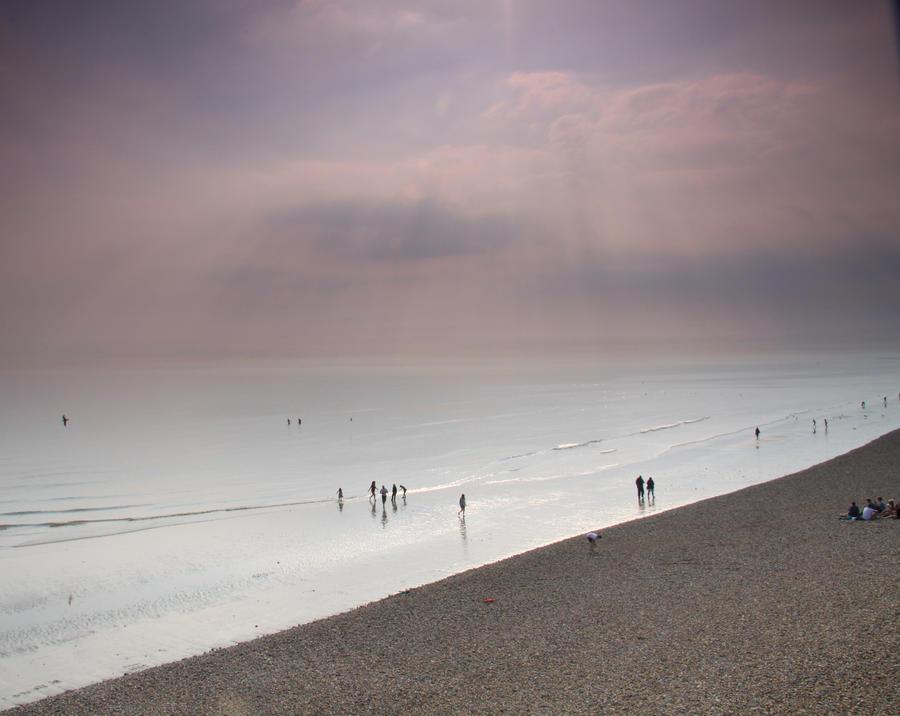 brighton beachfront, UK by yalsaibie