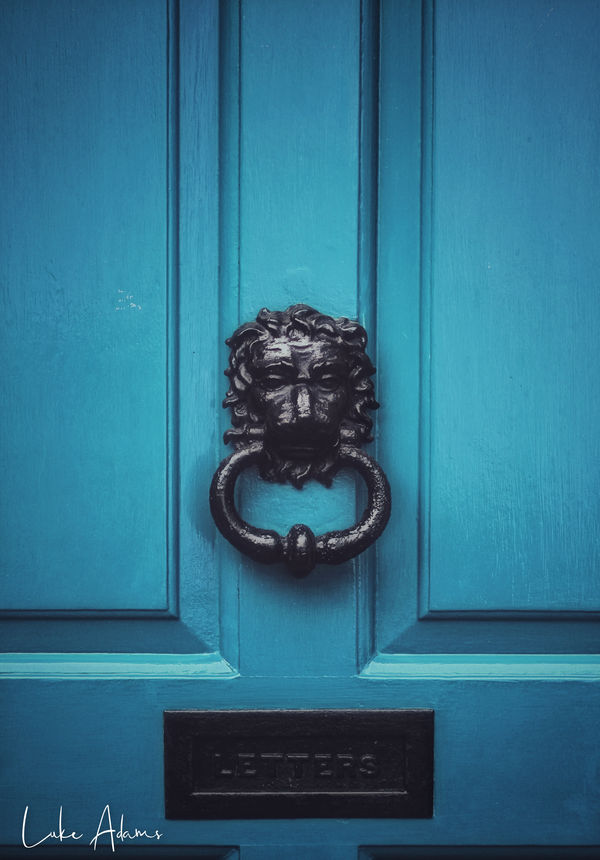 Knock Knock by Purpleskulls