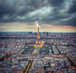 Eiffel Tower by Purpleskulls