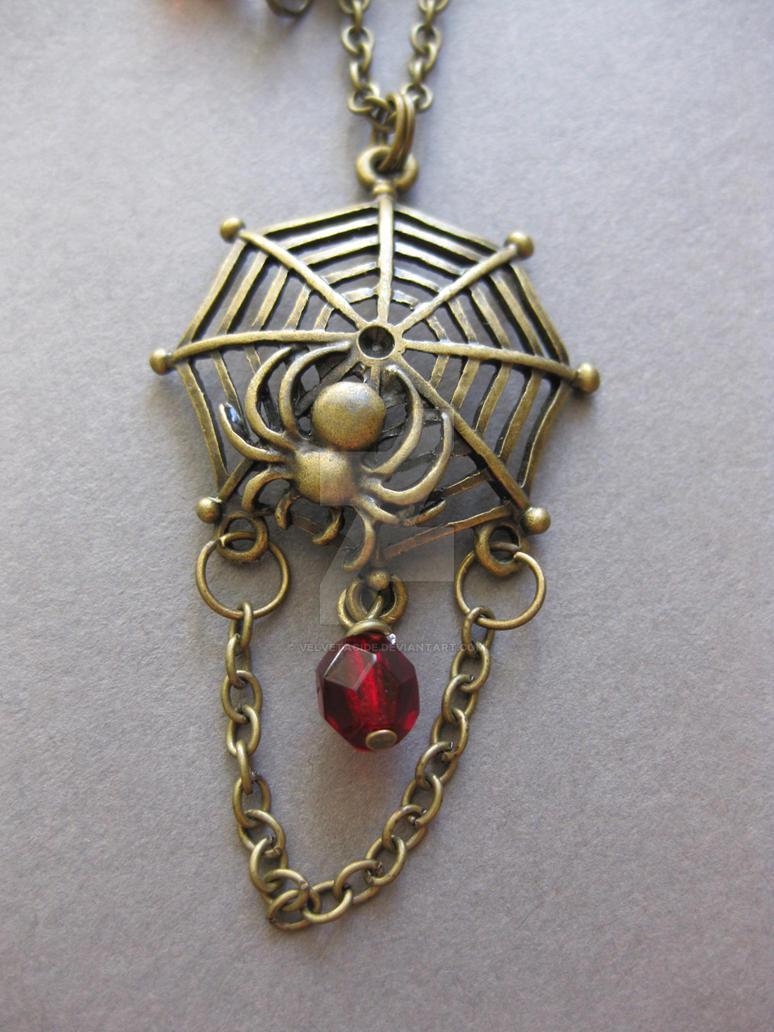 Crimson Widow by velvetacide