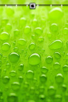 iphone4_4s_wallpaper_green_candy_drops by bioshare